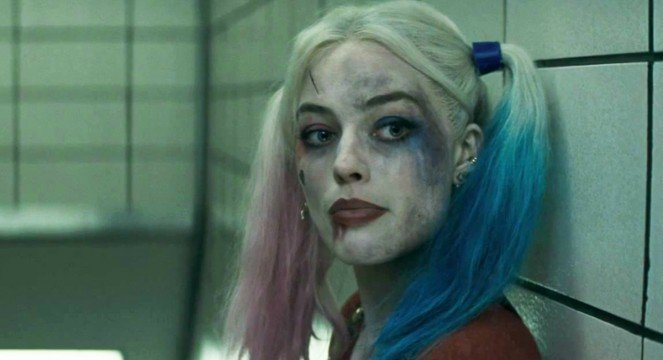 Suicide Squad Almost Had Margot Robbie Don Harley Quinn's Classic Court Jester Costume