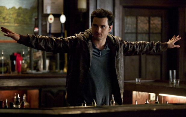 The Vampire Diaries Review Man On Fire Season 5 Episode 19