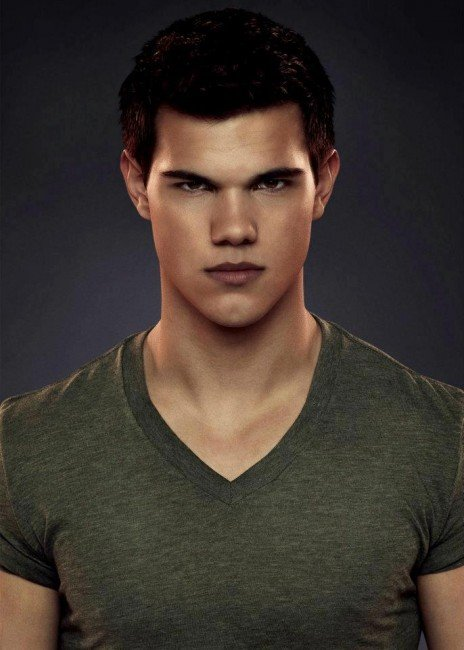 Taylor Lautner Says Twilight: Breaking Dawn - Part 2 Ending Will Have A Twist