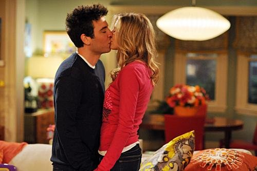 Ted and Stella Kissing Eric McCandless FOX 768797 Ranking Ted Mosbys Girlfriends On How I Met Your Mother