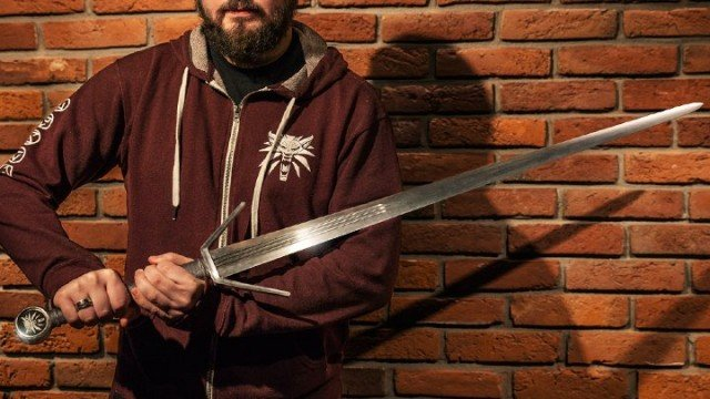 The Witcher 3 sword