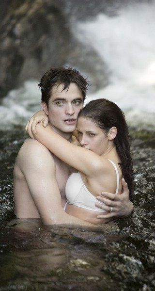 New Twilight: Breaking Dawn Images Show Wedding Prep And The Honeymoon