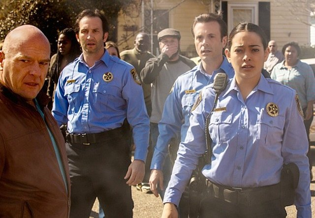 """Under The Dome Review: """"Into the Fire"""" (Season 1, Episode 2)"""