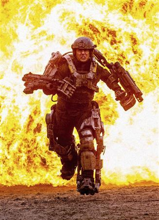 First Look At Mech Suit Tom Cruise In All You Need Is Kill