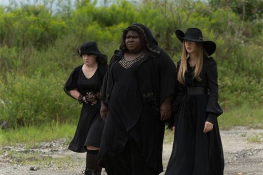 """American Horror Story: Coven Review: """"Burn, Witch. Burn!"""" (Season 3, Episode 5)"""