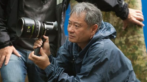 Ang Lee In Talks For Billy Lynn's Long Halftime Walk Adaptation