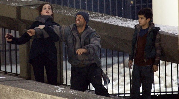 The Dark Knight Rises Set Photos Show Off Selina Kyle's Fighting Skills