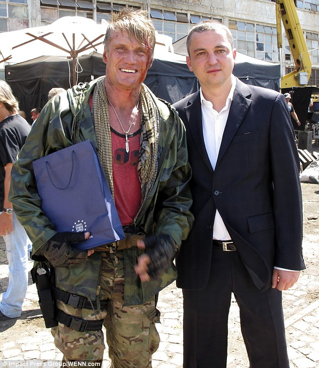 article 2400094 1B692D9E000005DC 479 634x731 The Expendables 3 Set Photos Show Bloodied Sylvester Stallone And Jason Statham