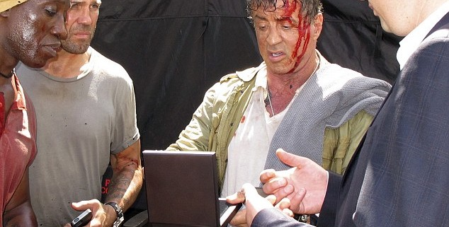 article 2400094 1B692DAD000005DC 984 634x664 634x321 The Expendables 3 Set Photos Show Bloodied Sylvester Stallone And Jason Statham