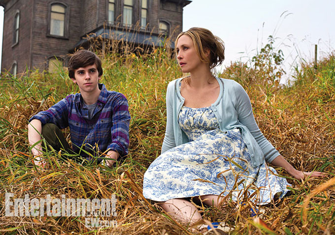 First Image From Bates Motel Shows A Lovely Nuclear Family