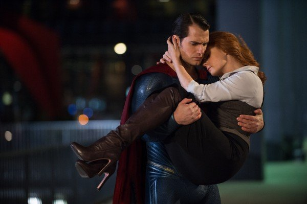 batman-v-superman-dawn-of-justice-henry-cavill-amy-adams-600x399