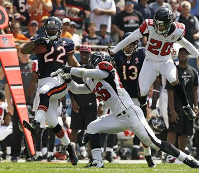 bears falcons1pg vertical Underdog Bears Dismantle The Falcons, Still No Respect