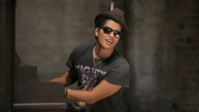 Bruno Mars Plays On The Today Show