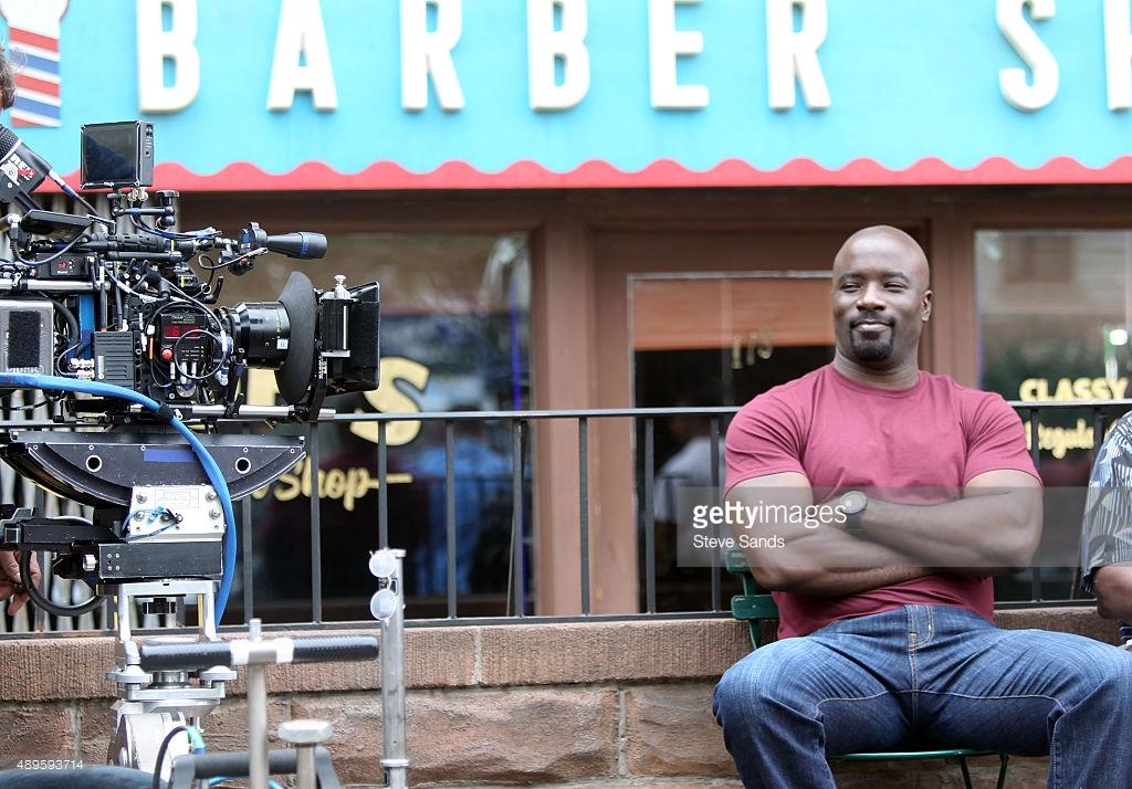Luke Cage Set Pics Offer First Look At Mike Colter As The Titular Hero