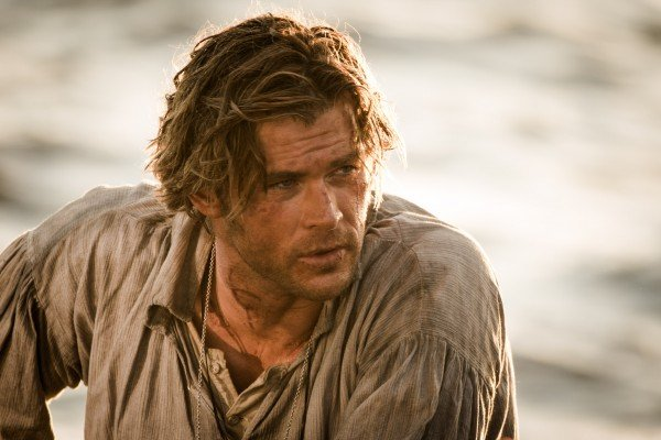 chris-hemsworth-in-the-heart-of-the-sea-image-600x400