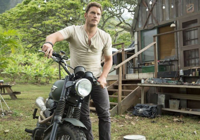 First Official Images From Jurassic World Showcase Lead Actors But No Dinos