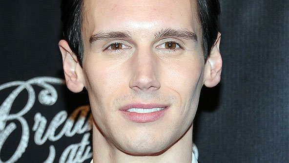 Corey Michael Smith Signs Up As The Riddler In Gotham