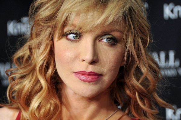 Courtney Love Heads To Charming For Sons Of Anarchy's Final Season