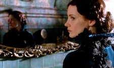 First Crimson Peak Clip Is Brimming With A Supernatural Tension