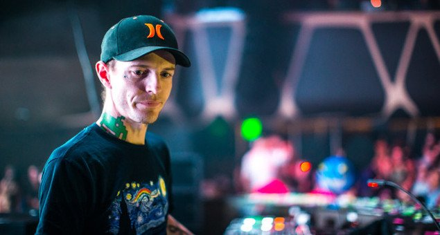 d3410 1701010 0 Deadmau5 Trolls EDM With Carbon Cookie
