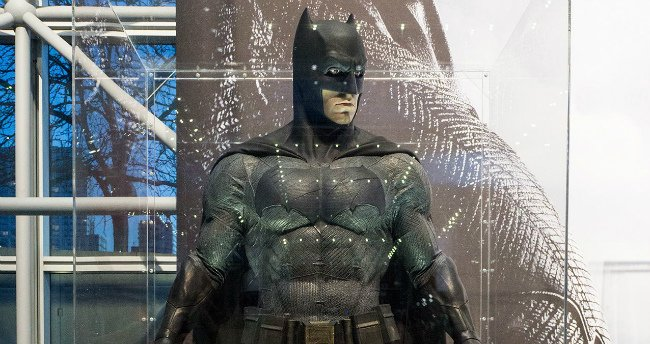 Flurry Of NYCC Photos Take A Closer Look At Batman V Superman: Dawn Of Justice Costumes