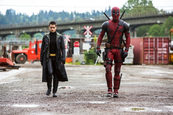 deadpool-ryan-reynolds-brianna-hildebrand-600x400