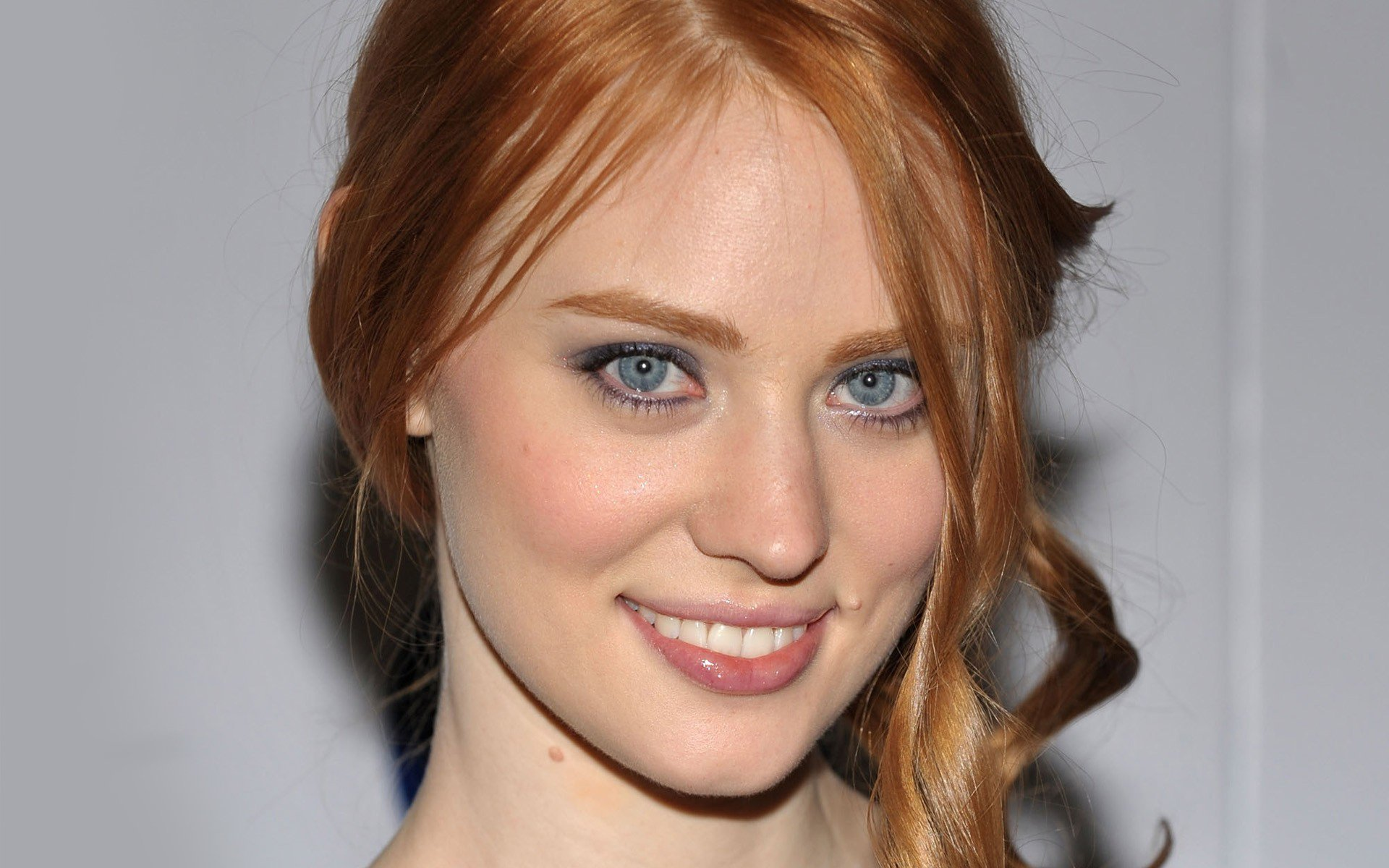 Deborah Ann Woll earned a  million dollar salary, leaving the net worth at 2 million in 2017