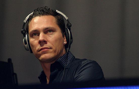 """Tommy Trash And Tiësto Deliver """"Coming Over"""" Remixes Fit For The Main Stage"""