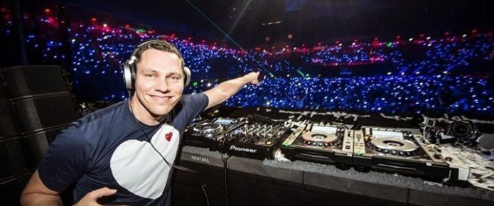 "Tiësto Drops Uplifting New Single ""On My Way"""
