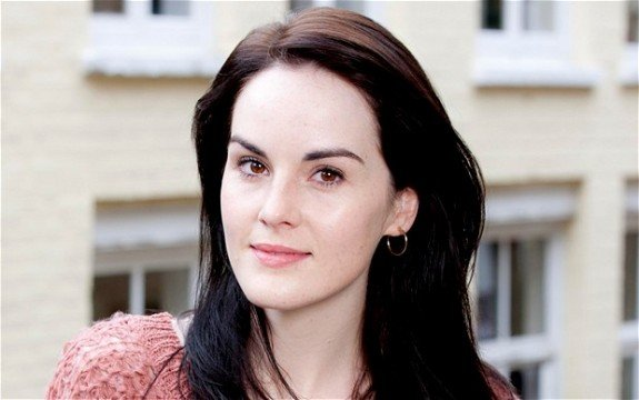 Michelle Dockery Will Be Queen Of The Earth With Elisabeth Moss