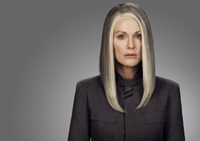 First Look At Julianne Moore In The Hunger Games: Mockingjay - Part 1