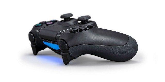 dualshock 4 ps4 4 640x321 [Update] Sony Officially Announces PlayStation 4, Launches This Year