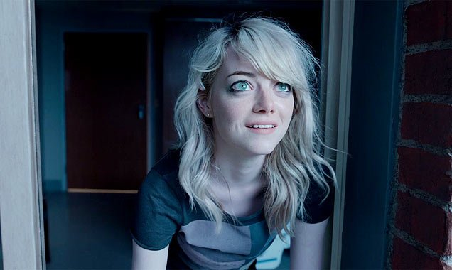Michael Keaton Gets A Social Lesson From Emma Stone In First Clip From Birdman
