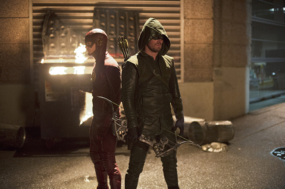 It's Hero Vs. Hero In First Images From Flash/Arrow Crossover Episodes