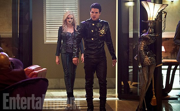 First Look At Deathstorm And Killer Frost In The Flash Season 2