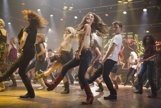 footloose 2011 20110519002936670 640w 539x360 Footloose Review
