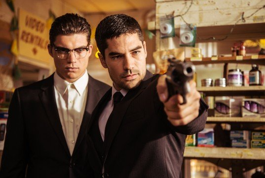 "From Dusk Till Dawn: The Series Review: ""Episode 1.01"" (Season 1, Episode 1) [SXSW 2014]"