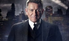 """Sean Pertwee """"Would Love"""" For Gotham To Give Way To A Batman Movie"""