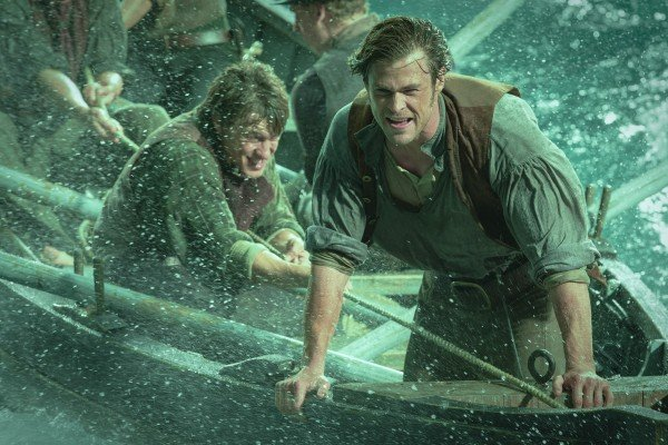 in-the-heart-of-the-sea-chris-hemsworth-5-600x400