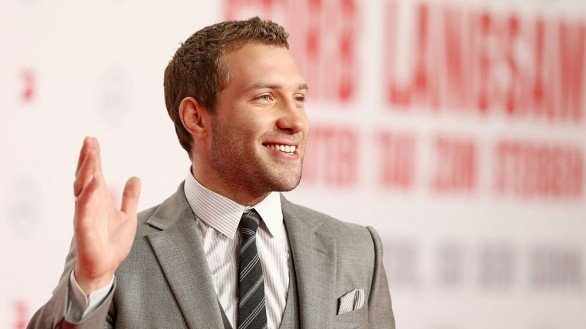 Jai Courtney Puckering Up For The Kaiser's Last Kiss With Lily James
