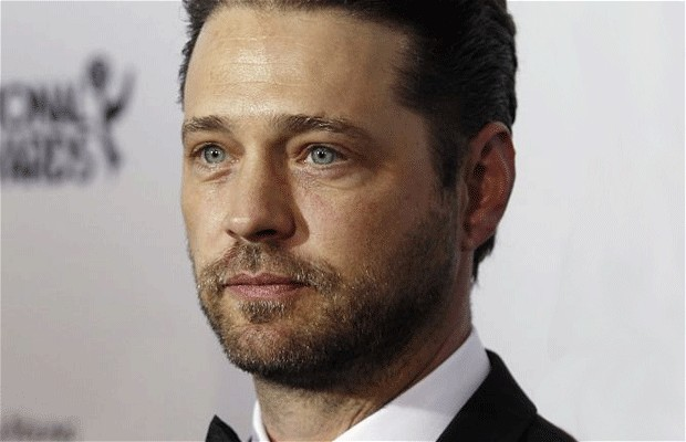 Jason Priestley To Make Directorial Debut With Cas & Dylan