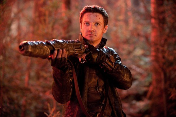 5 Reminders That Jeremy Renner Does Not Suck