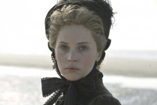 First Look At Ralph Fiennes & Felicity Jones In The Invisible Woman