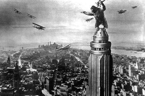 kingkong old 10 Movies In Which Famous Monuments Come Under Attack