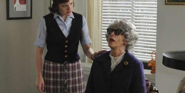 mad men the beautiful gils miss blankenship and peggy 640x321 Mad Men Gallery