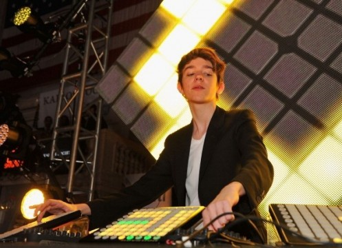 madeon-perfomrs-at-kairos-society-global-summit-day-2-after-party-at-new-york-stock-exchange_0