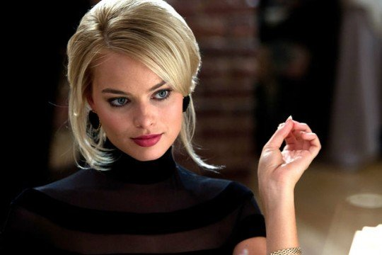 Margot Robbie (Harley) vs Cara Delevingne (Enchantress)
