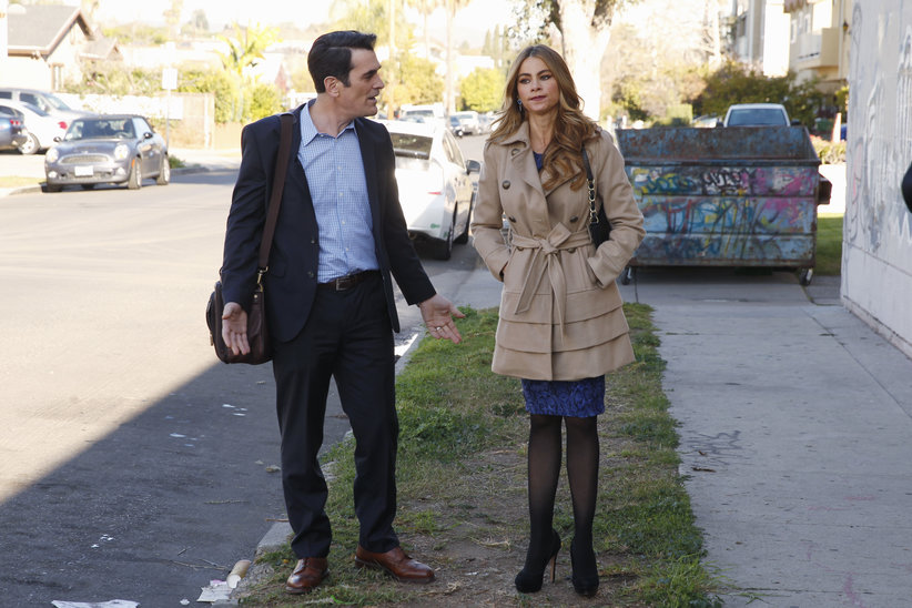 """Modern Family Review: """"A Hard Jay's Night"""" (Season 5, Episode 19)"""