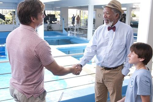morgan freeman and nathan gamble in dolphin tale 500x332 Dolphin Tale Review