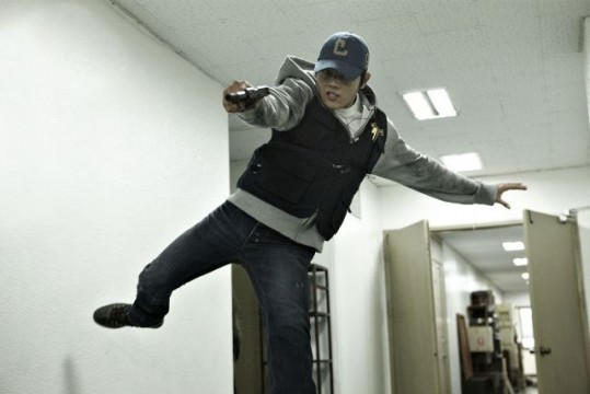 new-stills-and-trailer-for-the-upcoming-Korean-movie-quot-A-Company-Man-quot_16
